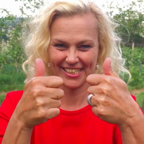 Folge 005: Von der gefragten Kabarettistin zum Paar-Coach: Hilde Fehr im Interview
